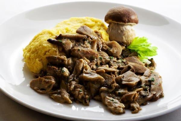 Mangiare funghi porcini a Varese